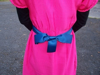I got the blue ribbon as a present from Deirdre to add make the dress slimmer in the waist