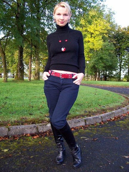 I am wearing a cashmere polo neck jumper I thrifted at Swopwith.me, skinny jeans from Awear, boots from..sorry, don't remember.