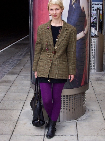 "At lunchtime wearing the ""Boyfriend"" blazer - 100% wool and made in Finnland"
