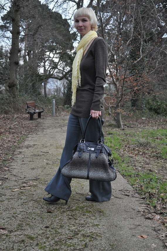 brown and grey together in a chic outfit