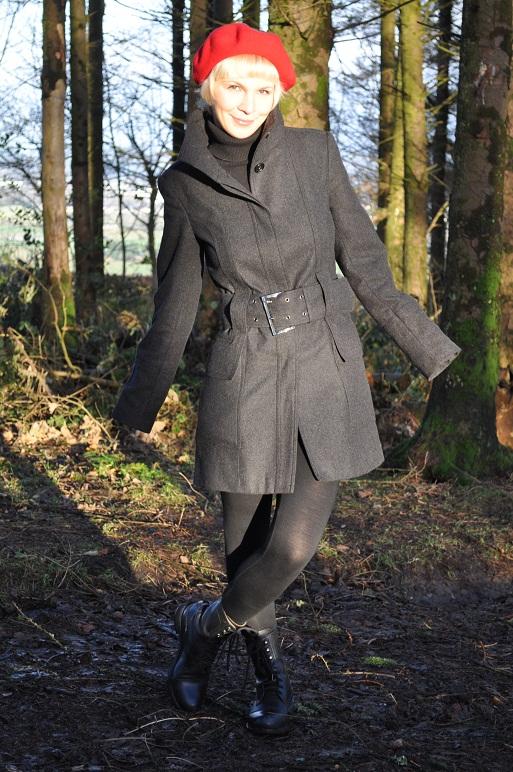 Coat - Zara, Jumper - Savida, Leggings - Topshop, Beret - Penney's, Boots - Hunter