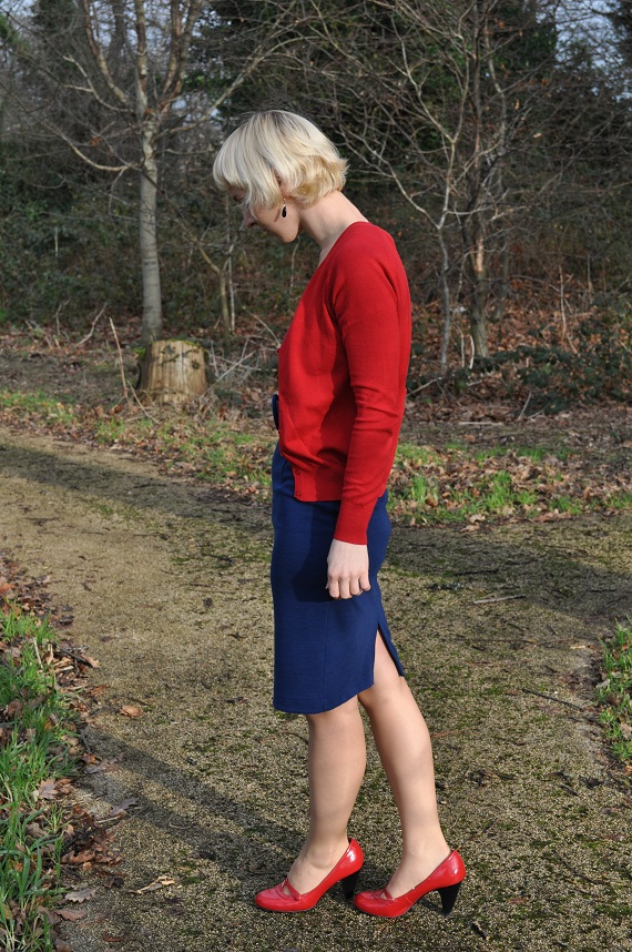 Jersey pencil dress - Peney's, Cotton Cardigan - Zara, Shoes - E-vie