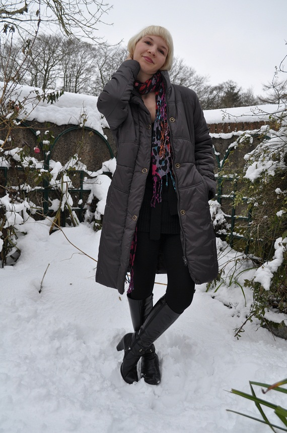 Puffer jacket worn with a long bright scarf I got at a swap party and Fairtrade earrings €3
