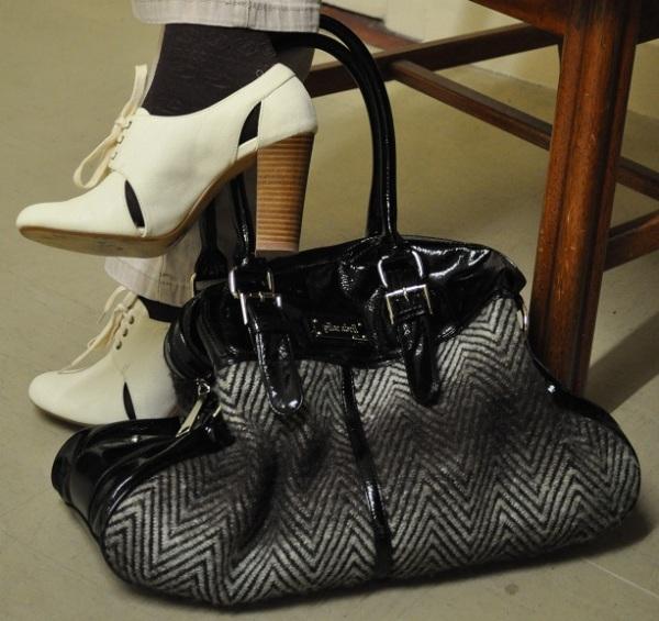 Shoes - Dunnes, Bag - Pilar Abril, Socks - Benetton