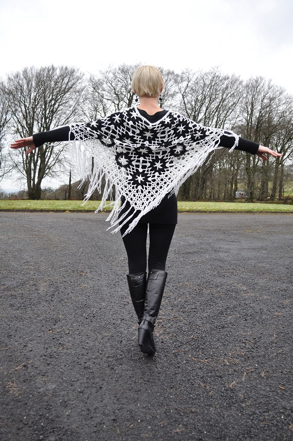 how to wear a crocheted poncho