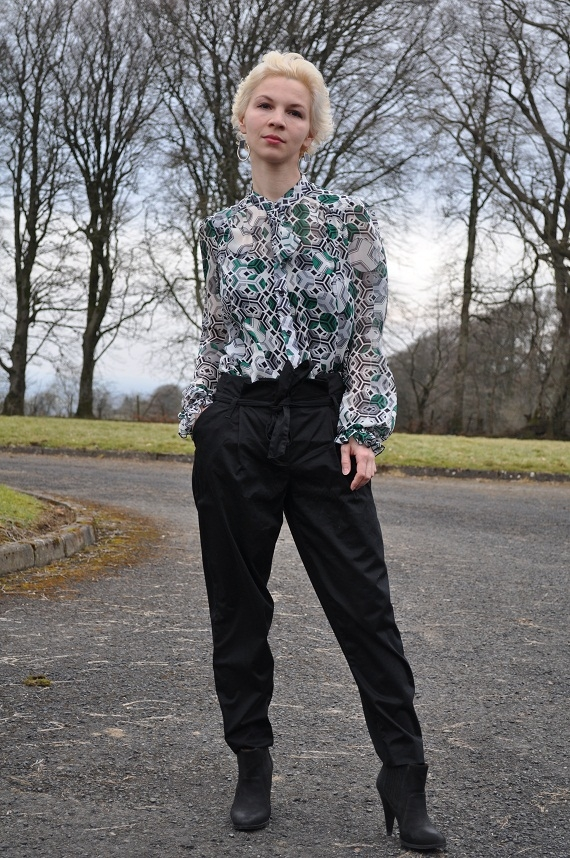 how to wear harem pants with silk blouse