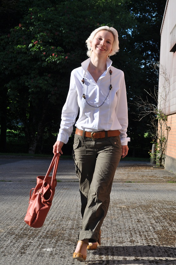 how to wear a classic white shirt with khaki cargo pants